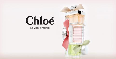 Chloé y su jardín de rosas