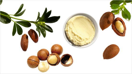 Con ingredientes conocidos por sus propiedades nutritivas: aceites de jojoba, macadamia y almendra junto a la manteca de karité.